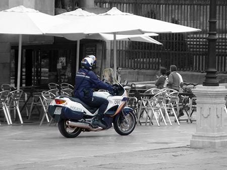 moto-gris